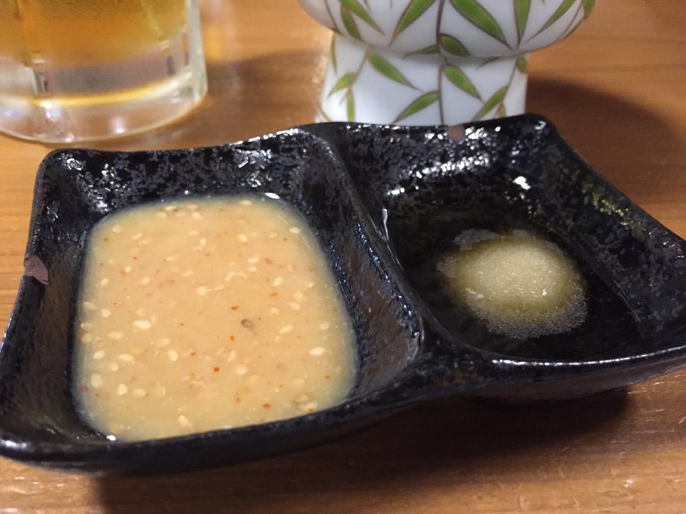 """""""モウカの星""""は、酢味噌や生姜醤油で食べるのですが、なんといっても""""ごま油と塩。""""この組み合わせは最高です。"""